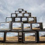 Revision, la realtà riflessa nelle televisioni di Shirin Abedinirad | Collater.al 1
