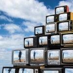 Revision, la realtà riflessa nelle televisioni di Shirin Abedinirad | Collater.al 6
