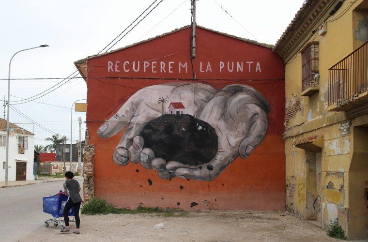 Sensemurs, the street scene in defense of La Punta