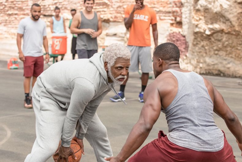 Uncle Drew, il film con Kyrie Irving e le star dell'NBA arriva al cinema