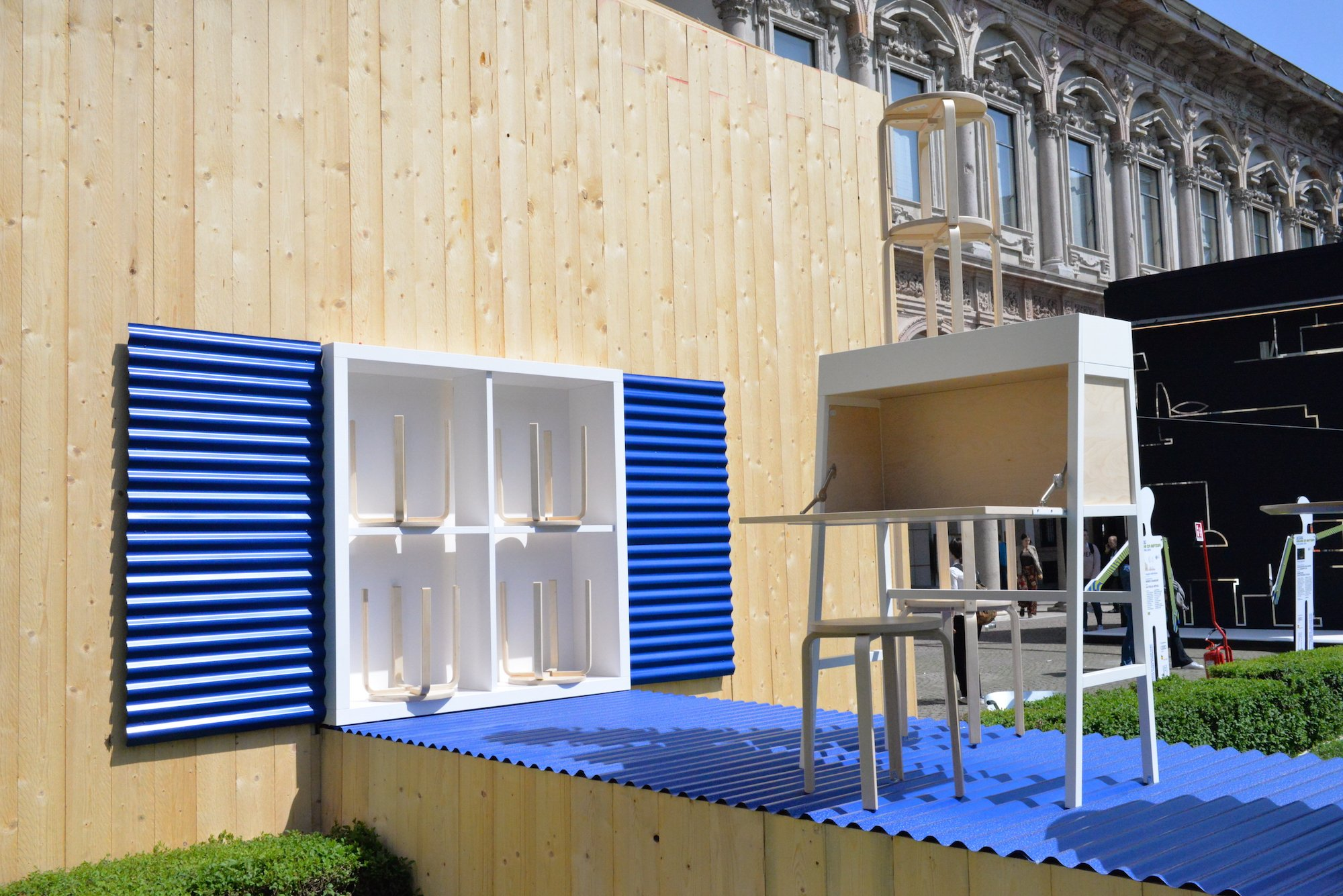 Alla scoperta dell infinito l installazione di lorenzo for Ikea salone del mobile