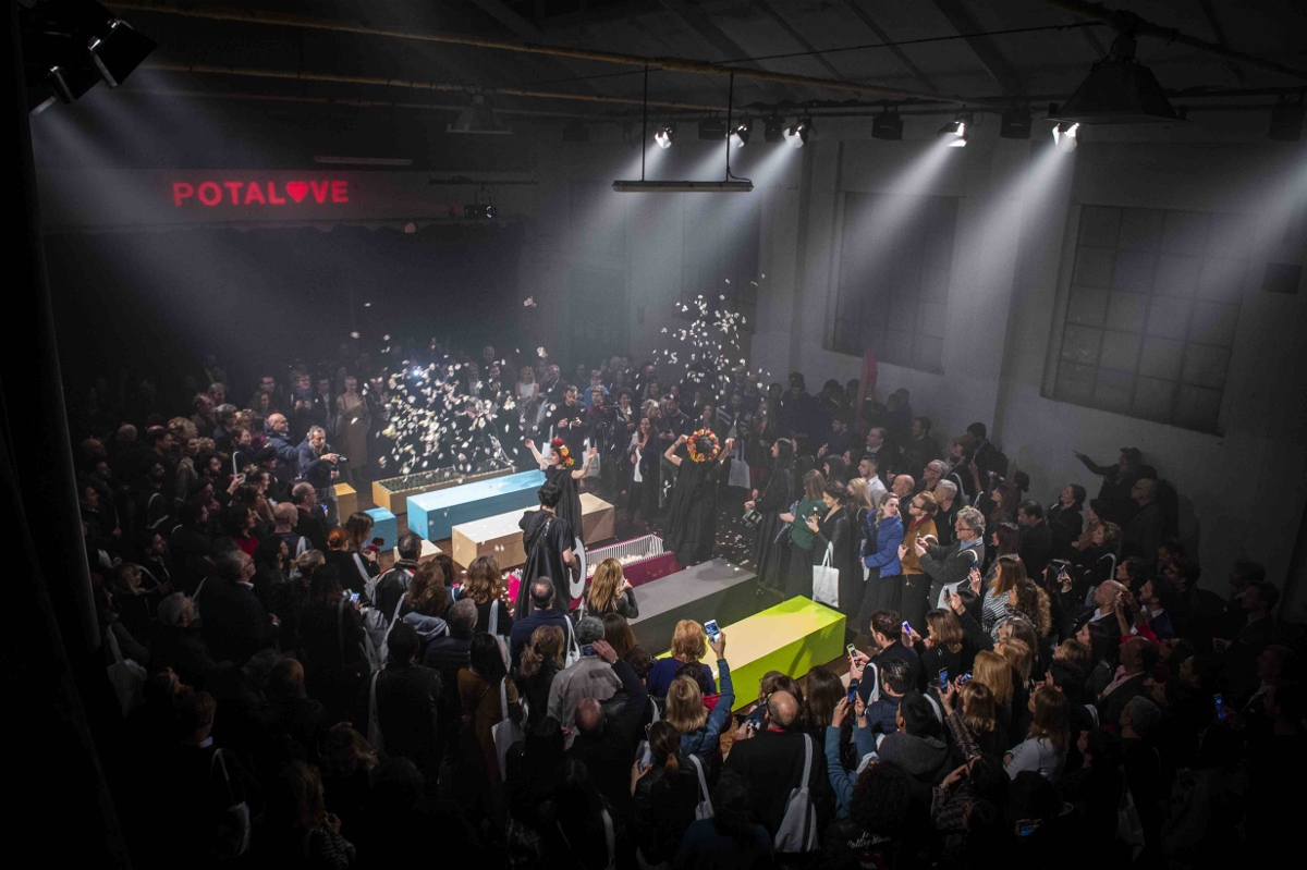 Design Week 2018 funeral party 3   Collater.al