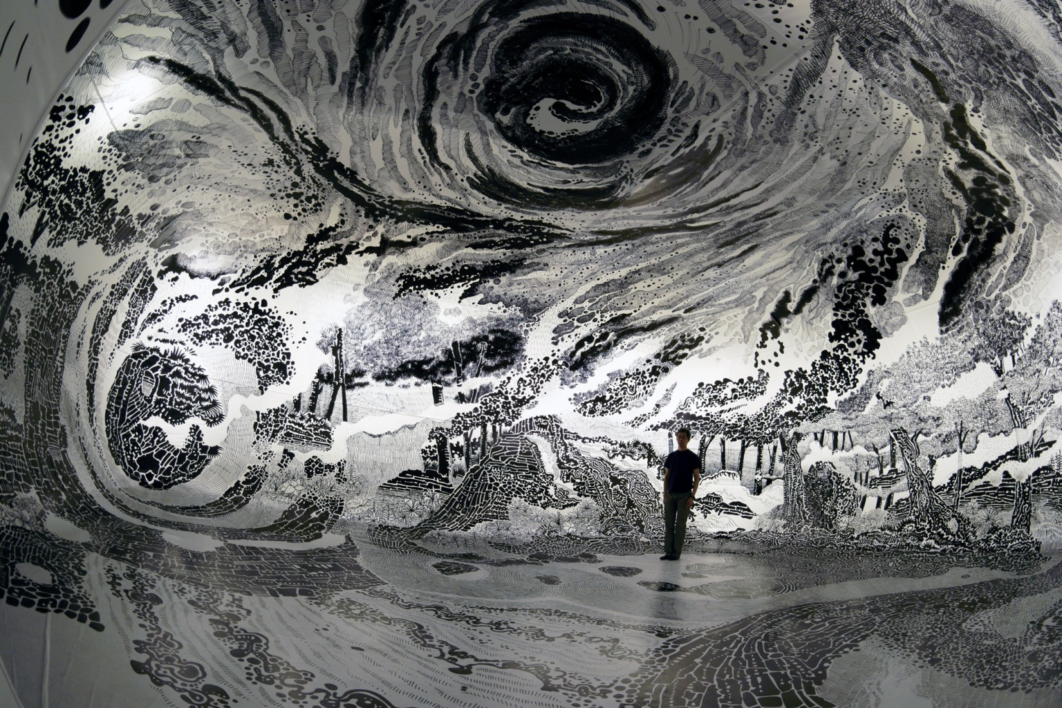 Drawing in Ephemeral, the 360-degree immersive world of Oscar Oiwa