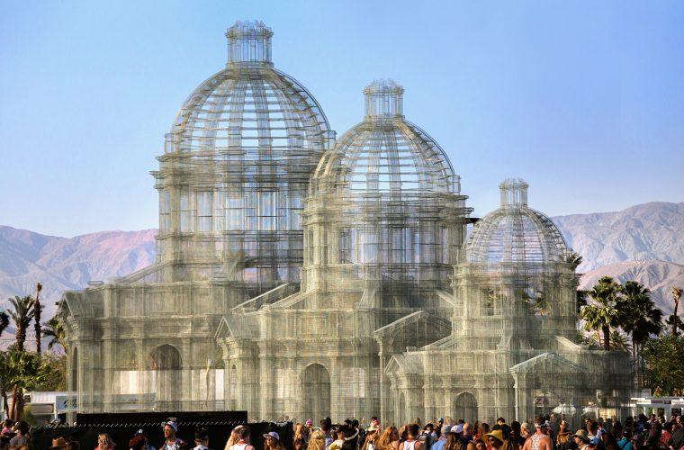 Etherea, the transparent sculptures of Edoardo Tresoldi for Coachella Festival