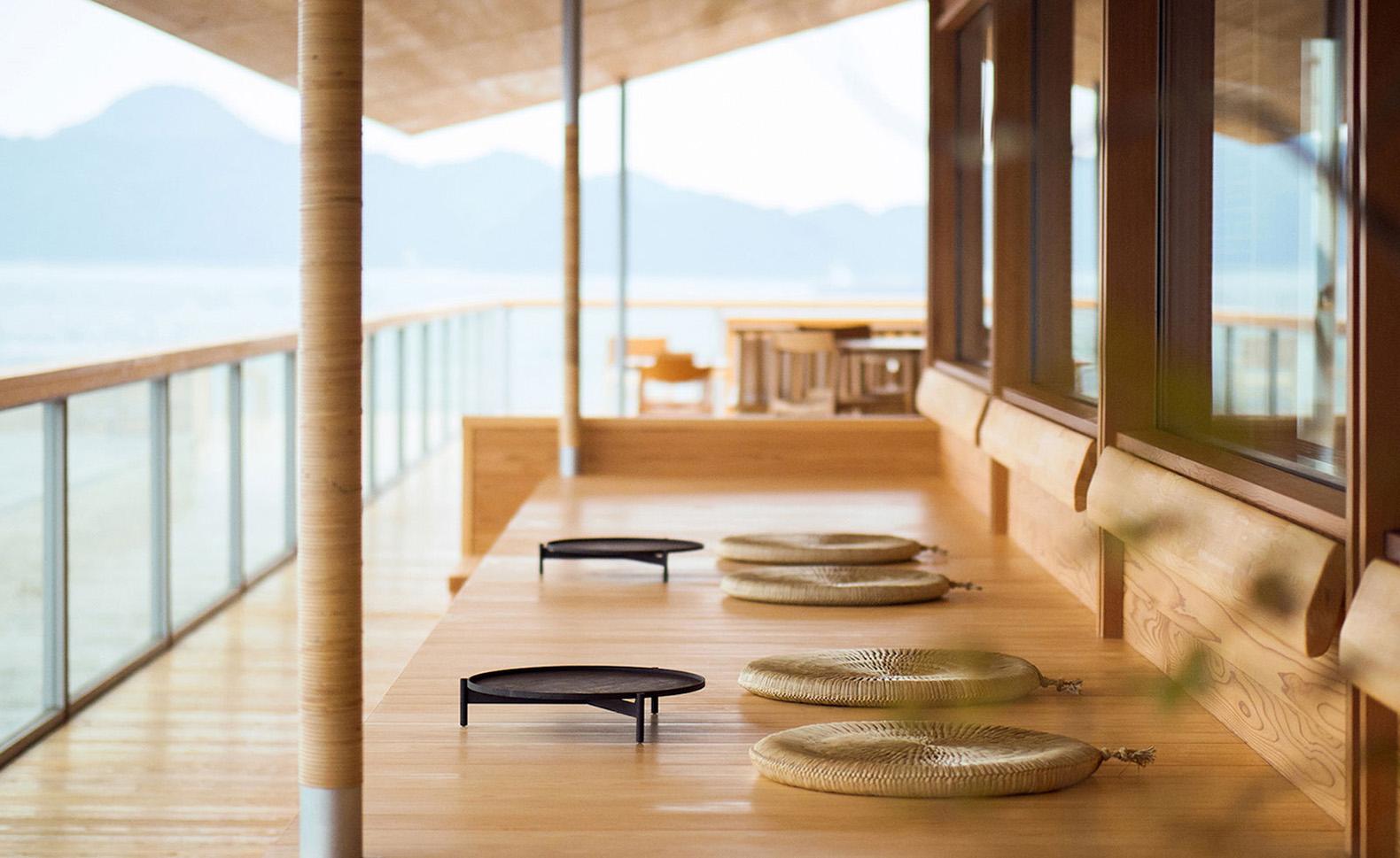 Guntu, il floating hotel che naviga le coste giapponesi | Collater.al 7