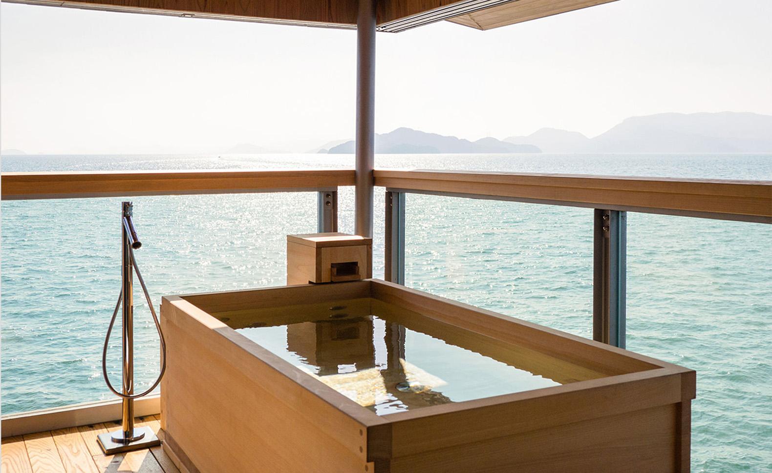 Guntu, il floating hotel che naviga le coste giapponesi | Collater.al 8