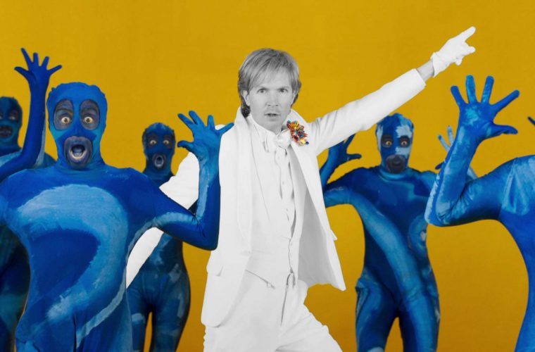 Beck insieme a Edgar Wright per il video di Colors