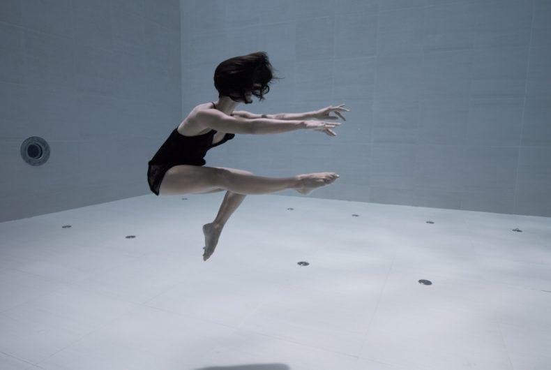 Short video for Breakfast – Ama, the fascinating underwater dance of Julie Gautier