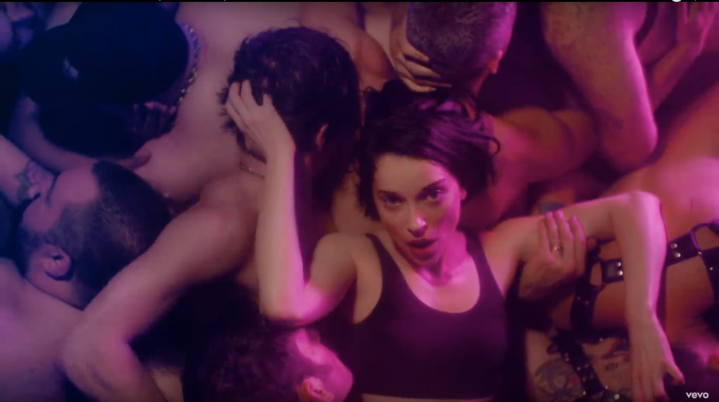 "Guarda ""Fast Slow Disco"", il nuovo video di St. Vincent1 