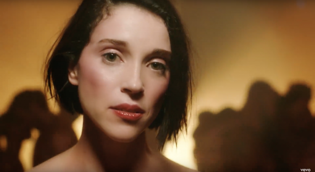 "Guarda ""Fast Slow Disco"", il nuovo video di St. Vincent2 