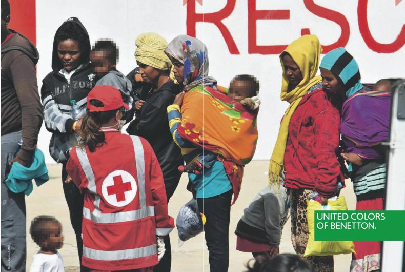 La campagna di Benetton e Oliviero Toscani in difesa dei migranti