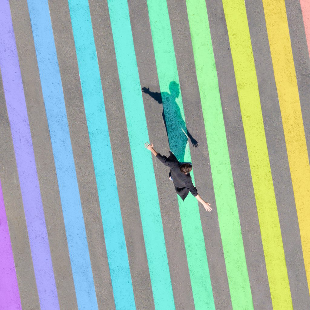 Le fotografie arcobaleno di Emmanuel Carvajal1 | Collater.al