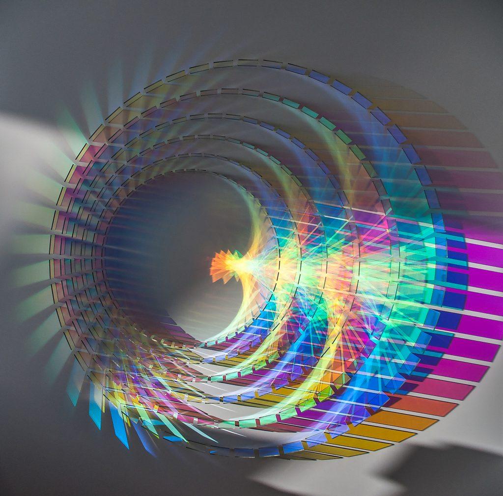 Le installazioni fotosensibili di Chris Wood | Collater.al