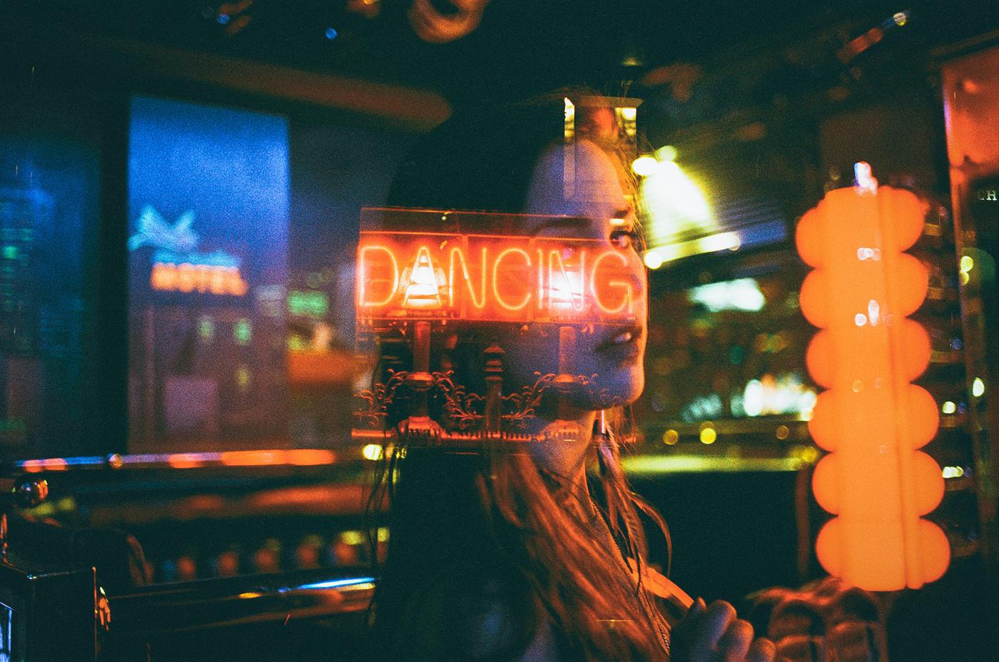 Neon Life, le storie e le luci di Louis Dazy | Collater.al 23