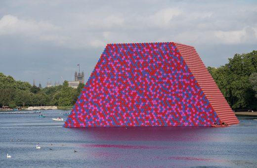 The London Mastaba, la nuova opera di Christo a Londra