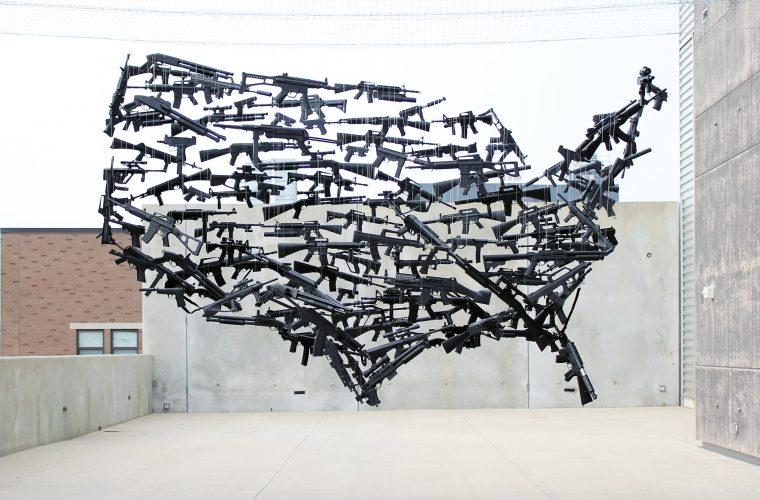 Le sculture anamorfiche dell'artista Michael Murphy