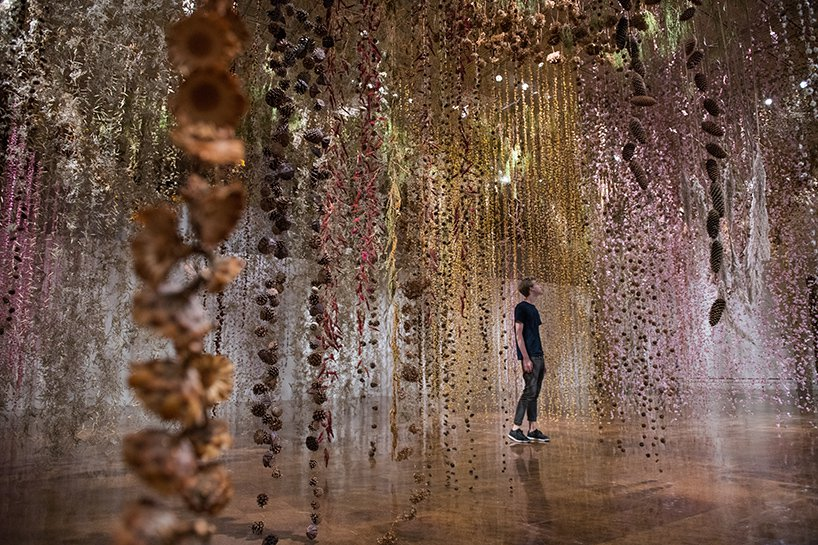 Il giardino invertito- l'incredibile installazione di Rebecca Louise Law | Collater.al 1
