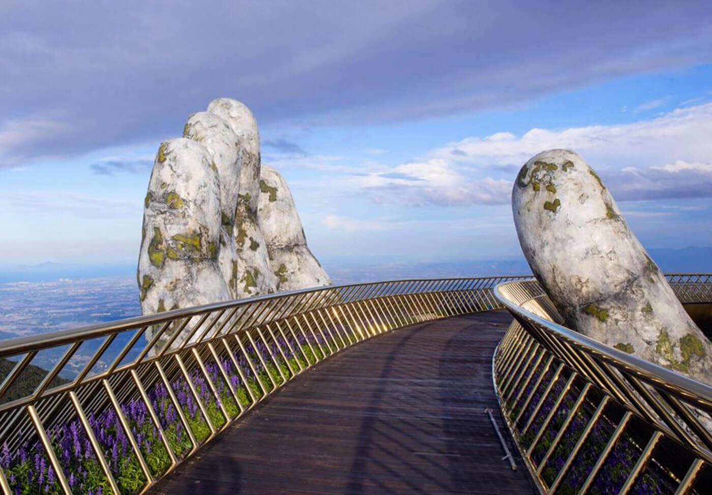 Il nuovo incredibile Golden Bridge in Vietnam | Collater.al 2