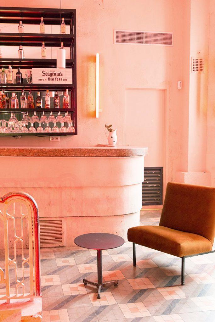 Il restyling di Plantea Studio cinema a luci rosse di Madrid | Collater.al 2