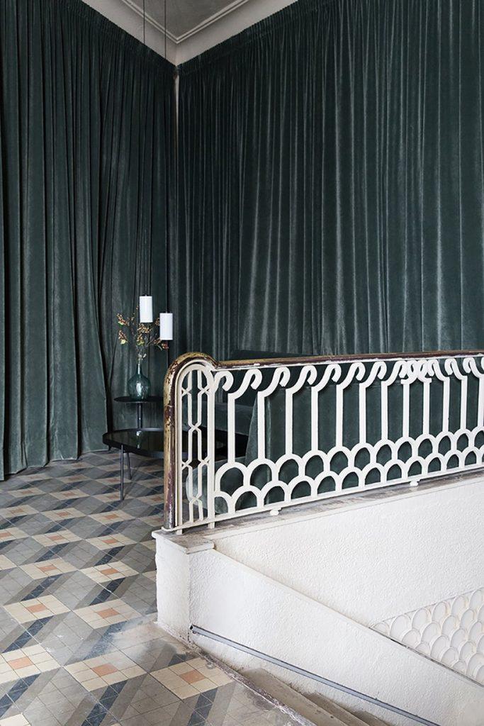 Il restyling di Plantea Studio cinema a luci rosse di Madrid | Collater.al 4