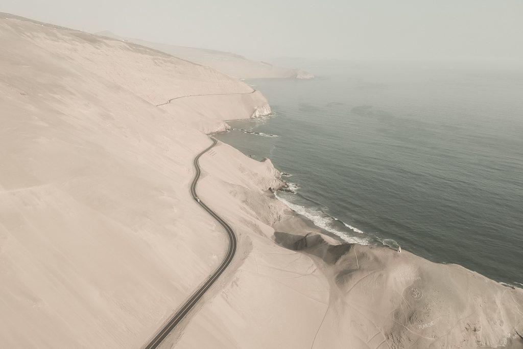 Leo Coulongeat ci porta a scoprire il deserto del Perù | Collater.al 7