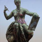 Monumental Nobodies, le sculture rivisitate di Matthew Quick | Collater.al 6