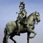 Monumental Nobodies, le sculture rivisitate di Matthew Quick | Collater.al 9