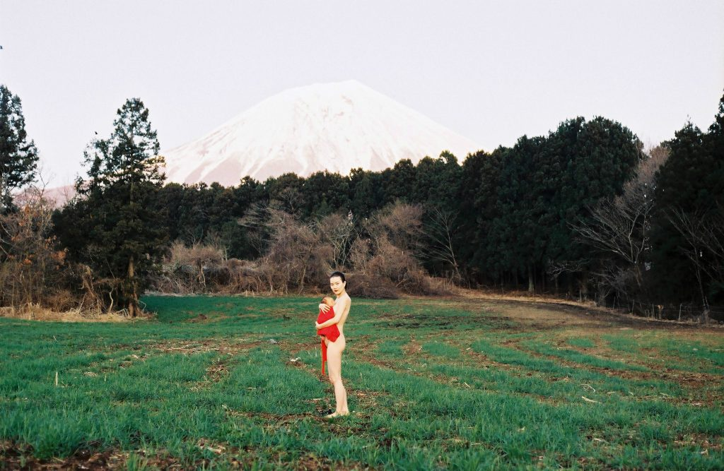 Nami di Yuan Yao è un poetico viaggio attraverso la maternità | Collater.al 17
