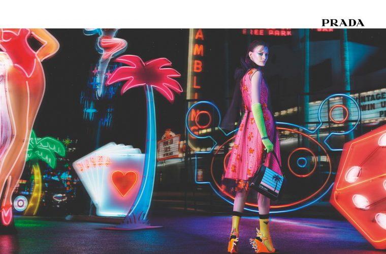 Prada presenta la collezione FW18 con il fashionvideo Neon Dream