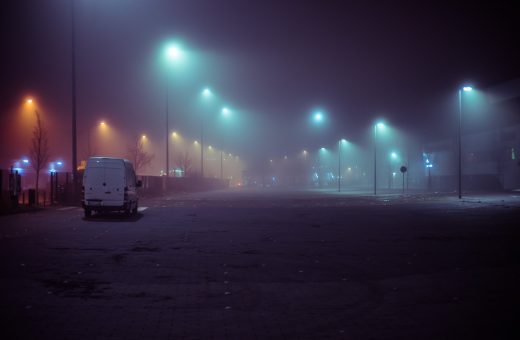 What the fog? Amburgo immersa nella nebbia nelle foto di Mark Broyer
