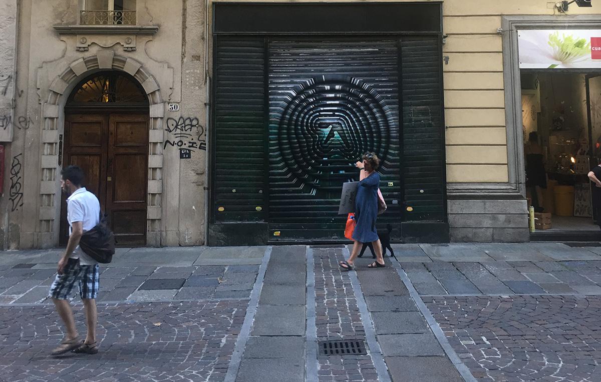 Il logo di Aphex Twin invade a sorpresa Londra e Torino | Collater.al