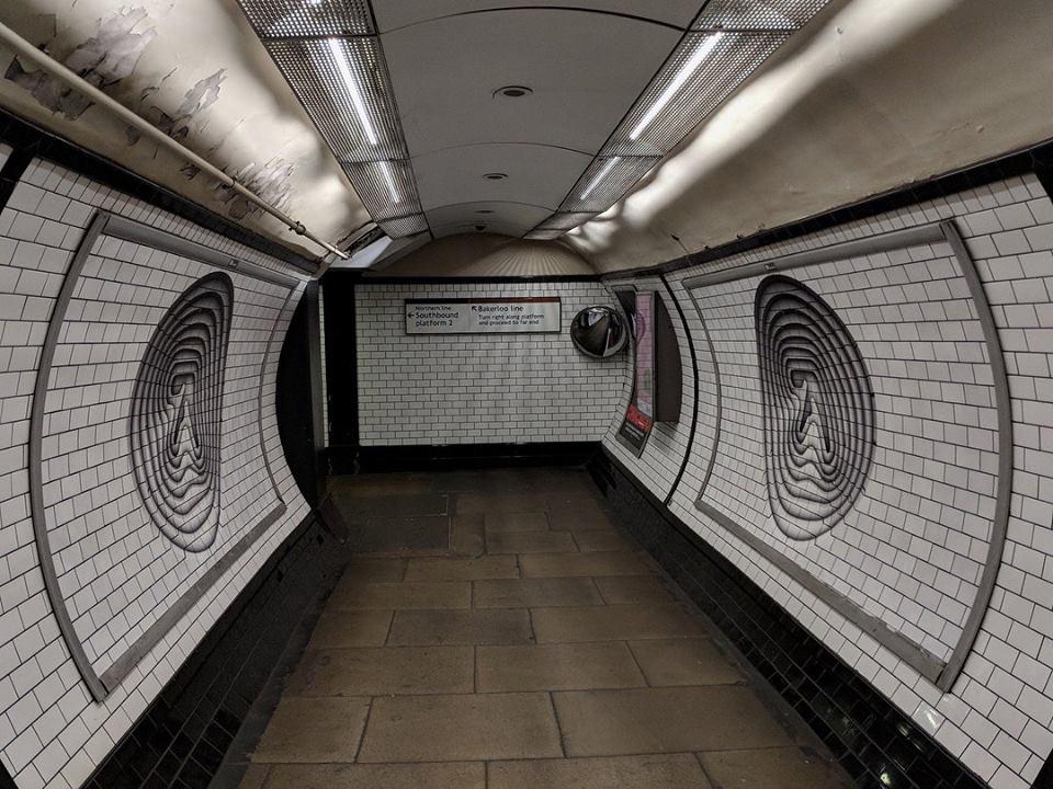 Il logo di Aphex Twin invade a sorpresa Londra e Torino | Collater.al 4