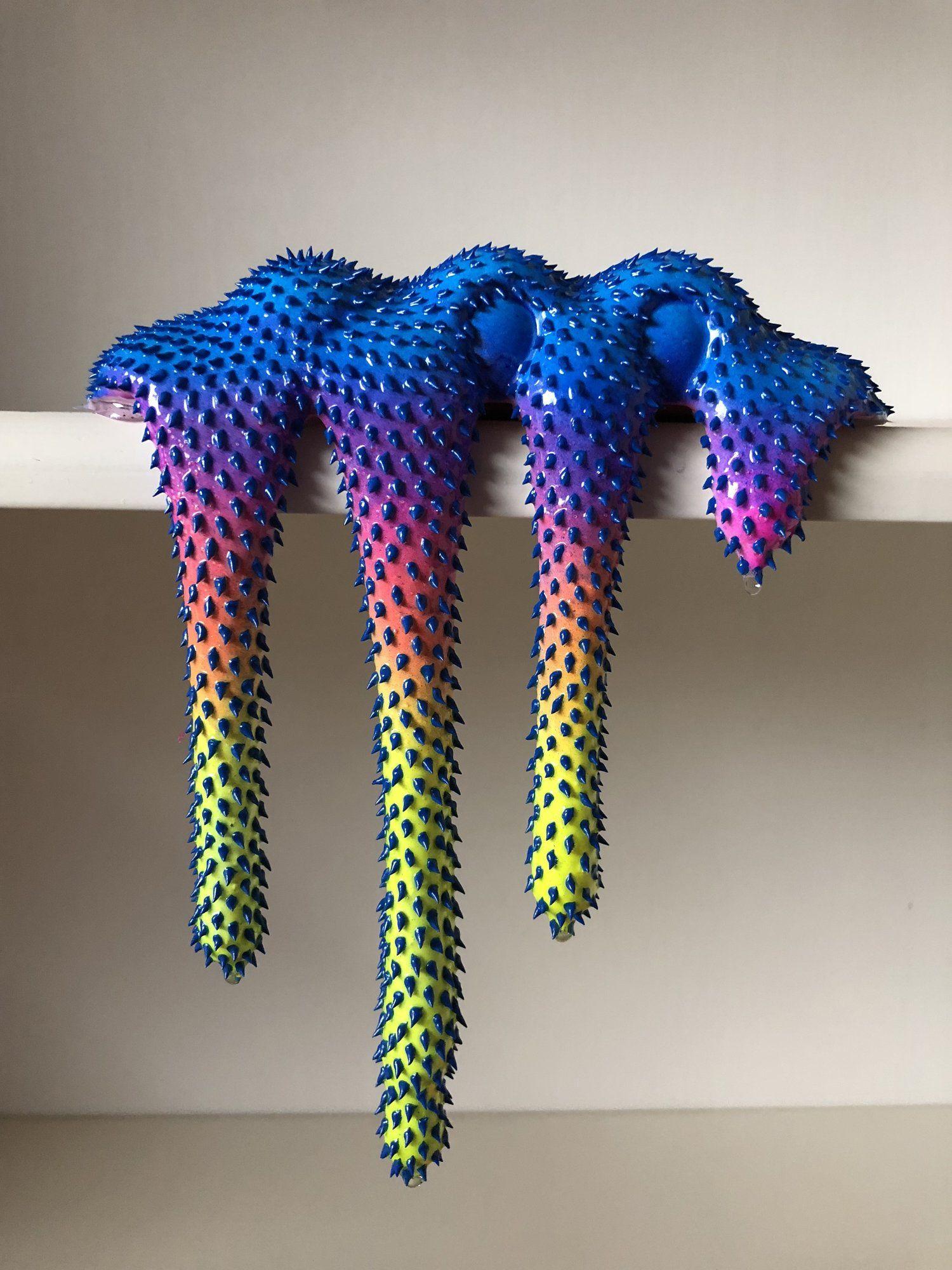 Le sculture destabilizzanti e fluorescenti di Dan Lam   Collater.al 11