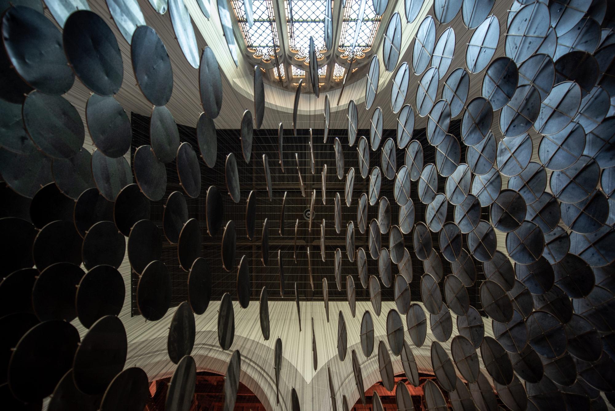 The Eclipse è la suggestiva installazione di Jacob Hashimoto   Collater.al 4