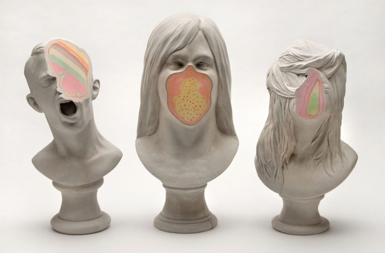 Unmet, strati di colore all'interno delle sculture di Christina West