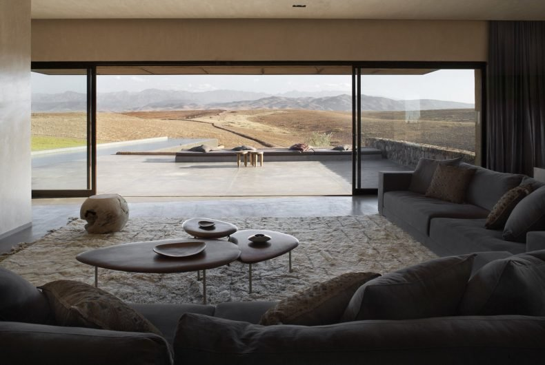 A vreathtaking view for elegant Villa K by KO Studio
