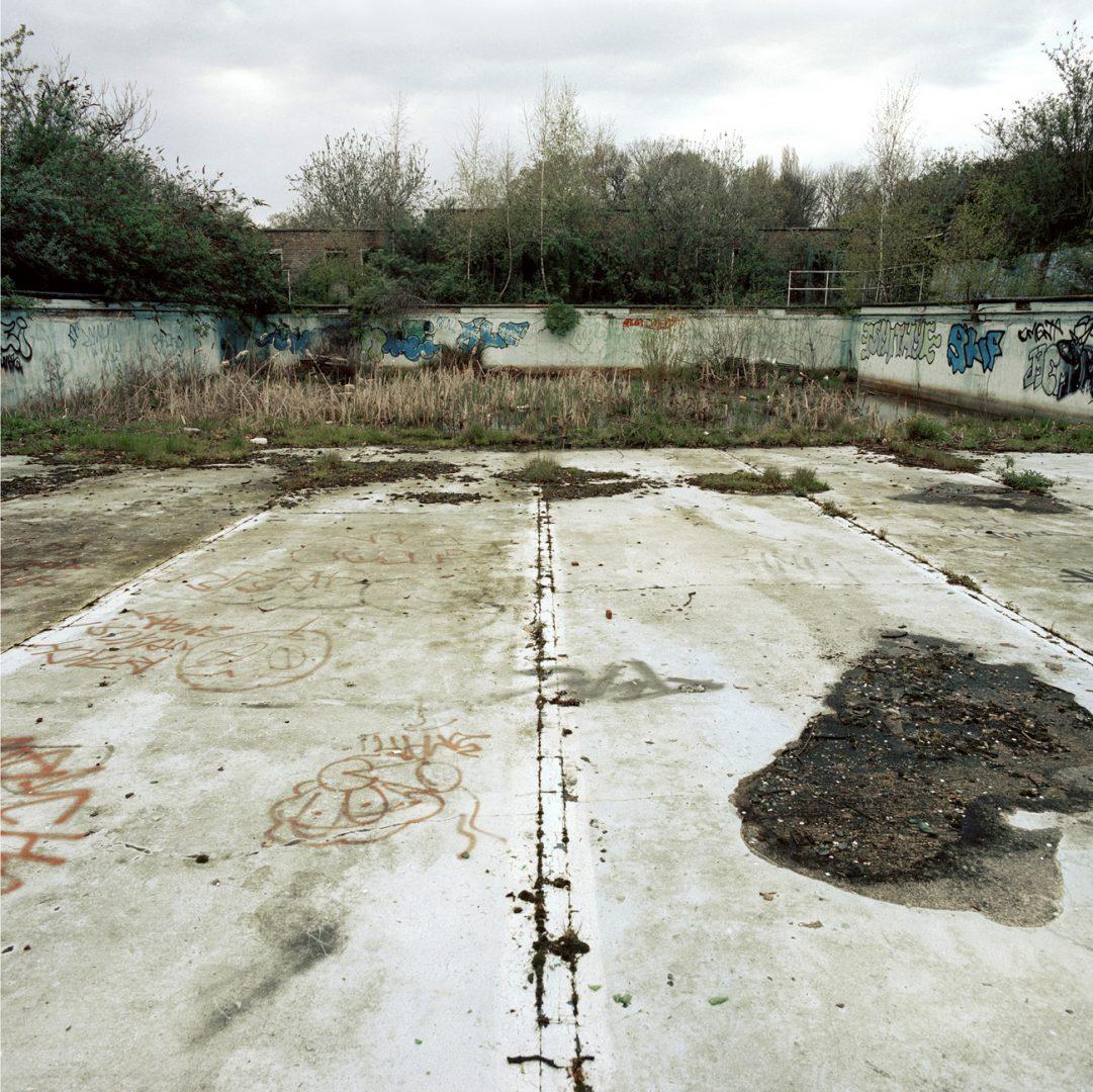 Absence of Water di Gigi Cifali e il fascino delle piscine abbandonate | Collater.al
