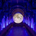 Andiamo sulla Luna, l'installazione di Luke Jerram | Collater.al 10