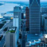 Detroit Skybridge, i blocchi luminosi di colore di Phillip K Smith III | Collater.al 1