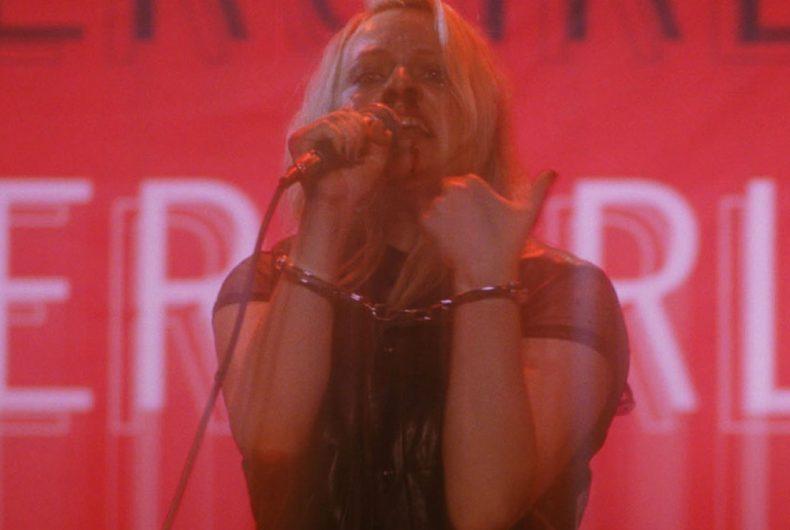 È uscito il trailer di Her smell, l'ultimo film di Alex Ros Perry