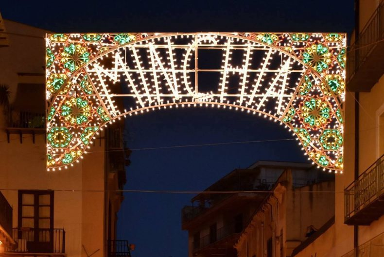 Fabrizio Cicero illuminates Palermo with the words Minchia