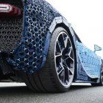 LEGO Technic Bugatti Chiron interamente costruita con i mattoncini del LEGO | Collater.al 2