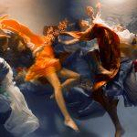 Le fotografie subacquee che sembrano quadri di Christy Lee Rogers | Collater.al 4