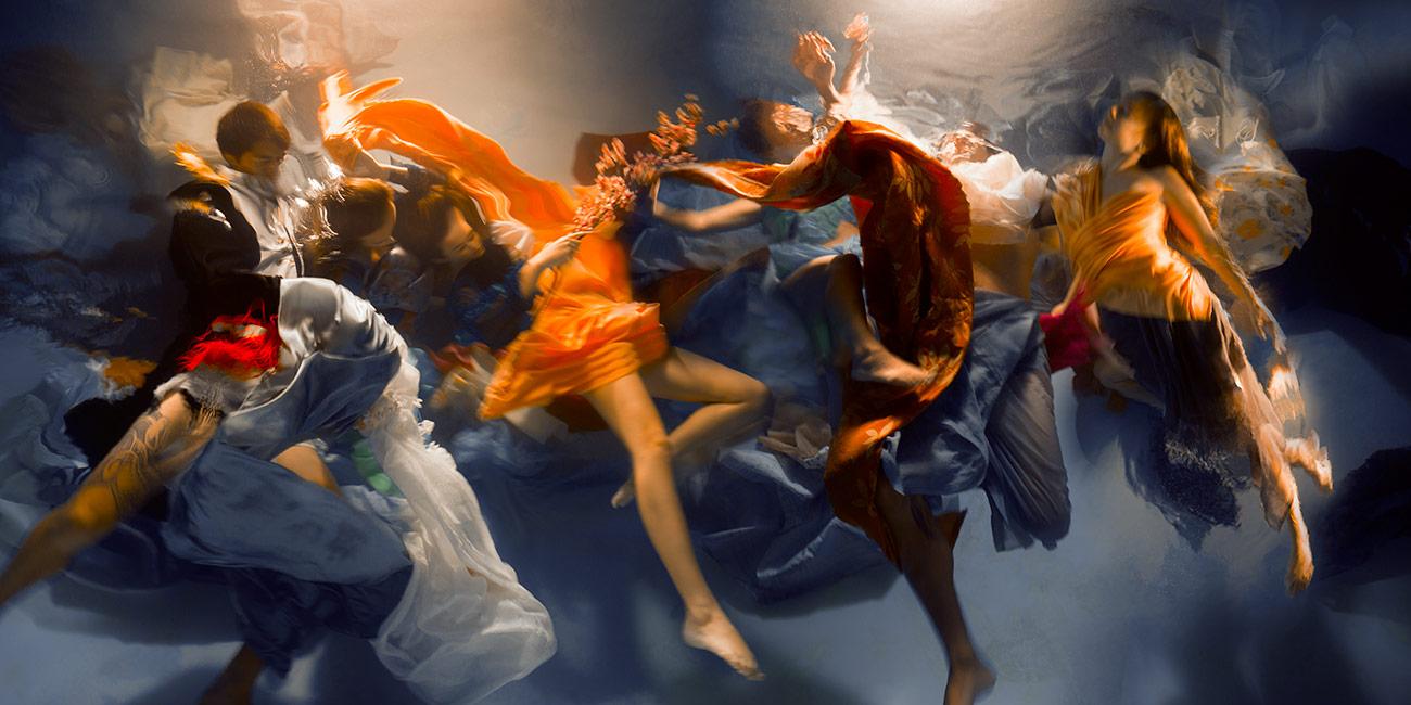 Le fotografie subacquee che sembrano quadri di Christy Lee Rogers