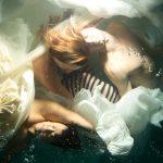 Le fotografie subacquee che sembrano quadri di Christy Lee Rogers | Collater.al 7