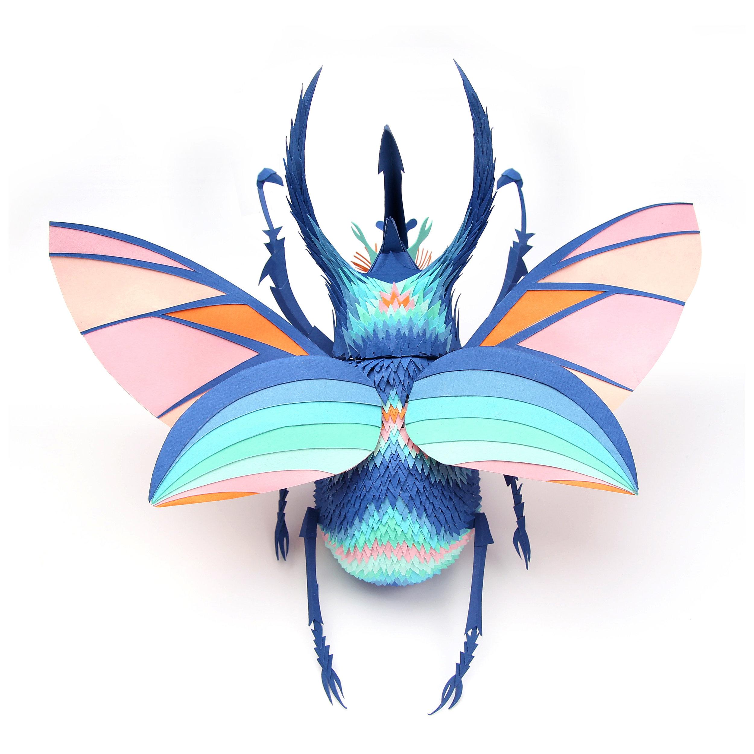 Lisa Lloyd crea delle stupende sculture di carta in 3D | Collater.al