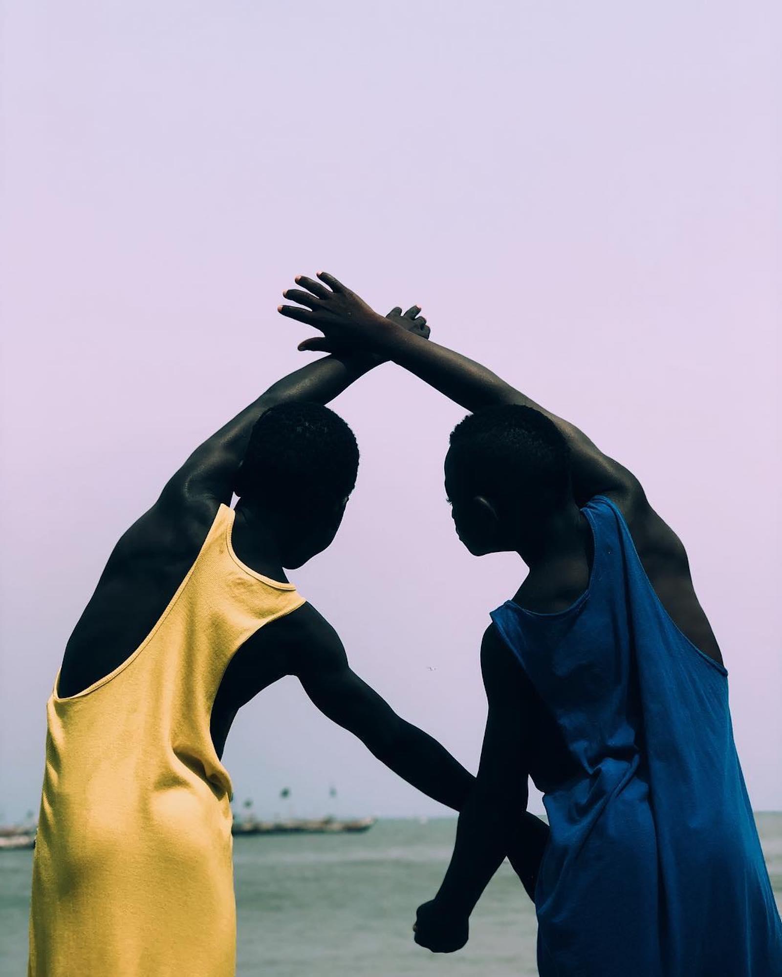 Price Gyasi fotografa i colori e le atmosfere del Ghana | Collater.al 10
