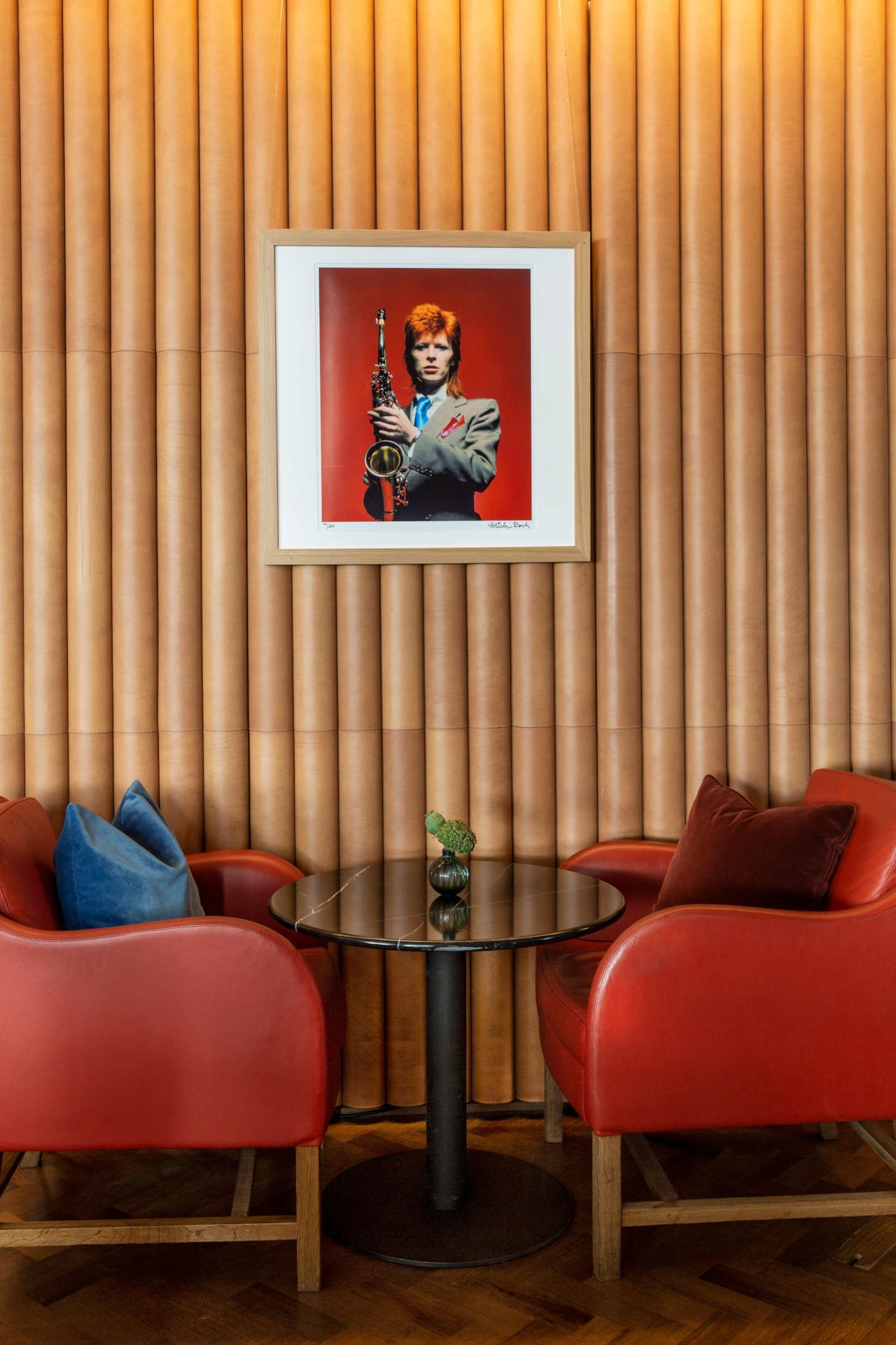 Design Per Tutti Com ziggy's in london is the bar dedicated to david bowie