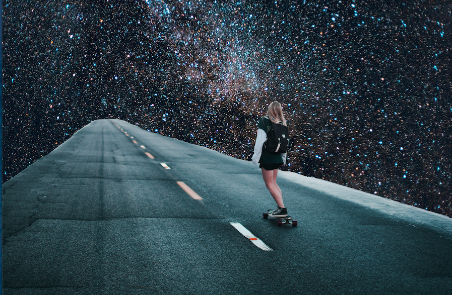 Vanessa Ly con i suoi collage ti porta nello spazio (e oltre) | Collater.al