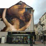 Julien de Casabianca libera i personaggi dei quadri portandoli in strada | Collater.al 11